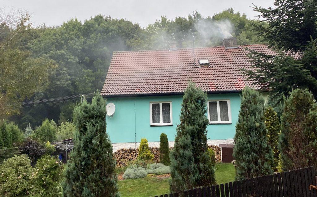 Kolik domů stále topí uhlím?